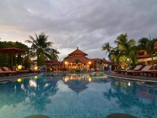 kuta-beach-club-hotel